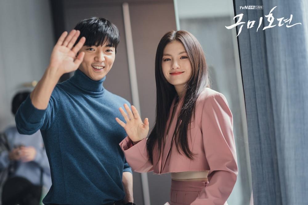 Hwang Hee và Kim Yong Ji trong vai cáo và hổ bạn của anh em nhà Lee Dong Wook