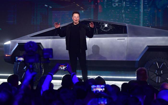 Việc tăng giá trị cổ phiếu Tesla đưa CEO Elon Musk thành tỉ phú giàu nhất thế giới